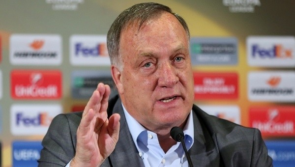 Dick Advocaat'tan Fenerrbahçeli futbolculara uyarı