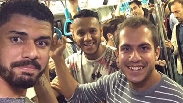 Fenerbahçeli futbolcuların metro yolculuğu