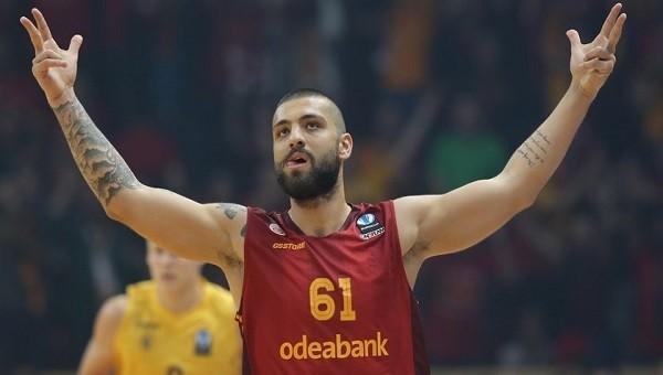 Galatasaraylı oyuncu küfür etti iddiası