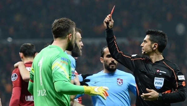 G.Saray-Trabzon maçının hakemi PFDK'da