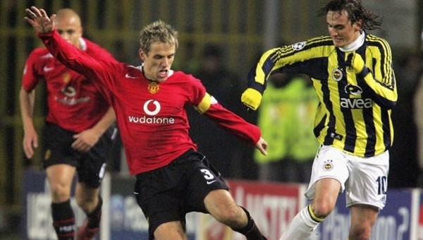 Önder Fırat'tan Manchester United'a 2004 göndermesi