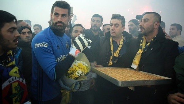 Taraftarlardan Fenerbahçe'ye derbi desteği