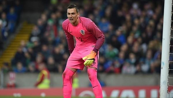 Beşiktaş'ın da ilgilendiği kaleci transfer rekoruyla Belçika'ya gitti