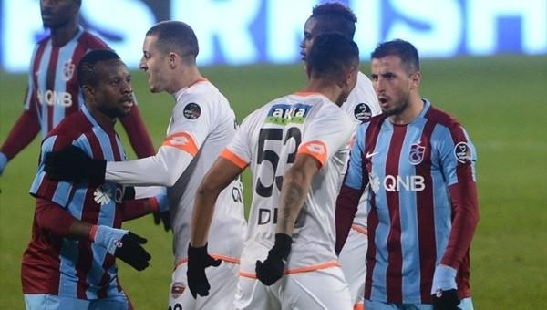 Durica ve Zeki Fenerbahçe maçı öncesi kartları temizledi