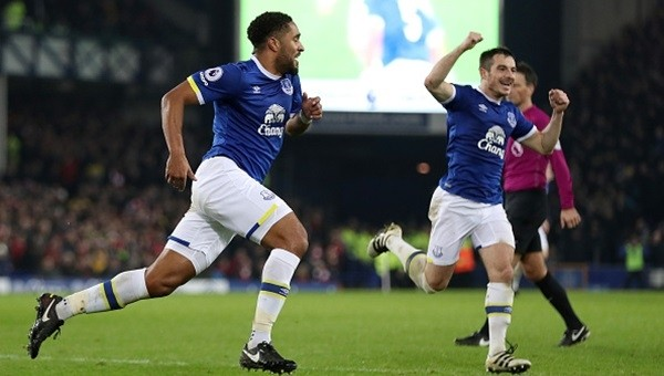 Everton, Arsenal'i devirdi