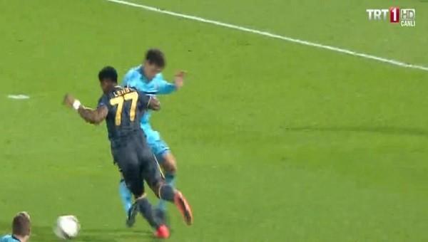 Fenerbahçe'nin Feyenoord'da penaltı isyanı