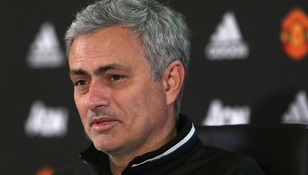 Jose Mourinho ilk transferi açıkladı