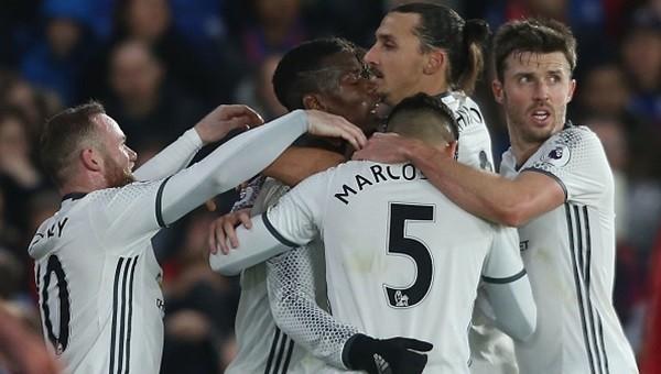 Manchester United son dakikalarda kazandı