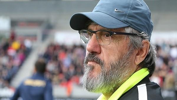 Osmanlıspor teknik direktörü Mustafa Reşit Akçay'dan transfer müjdesi