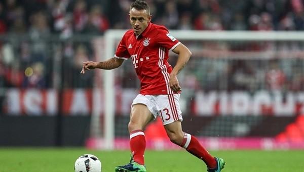 Rafinha bir yıl daha Bayern Münih'te