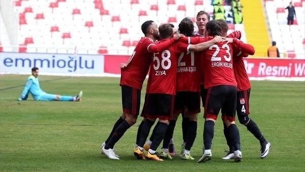 Sivasspor 3-0 Göztepe maç özeti ve golleri