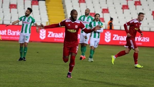 Sivasspor 3 -1 Yeni Amasyaspor maçı özeti ve golleri