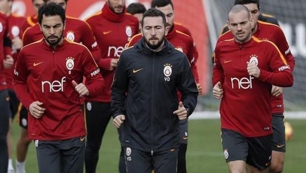 Sneijder ve Selçuk el ele verdi