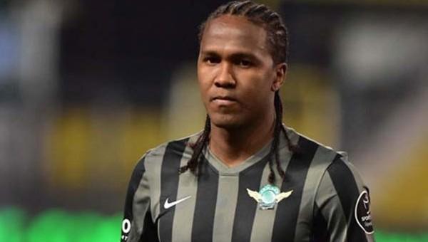 Trabzonspor'a Hugo Rodallega için rakip