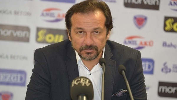 Yusuf Şimşek'ten oyuncularına sert eleştiri