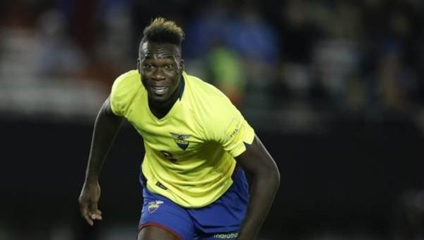 Antalyaspor ve Trabzonspor'un Felipe Caicedo transferi savaşı