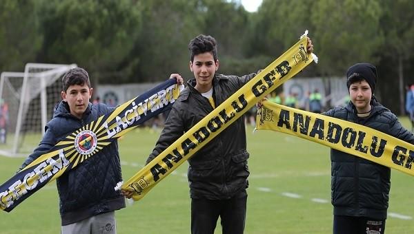 Atiker Konyaspor antrenmanını Fenerbahçeli taraftarlar izledi