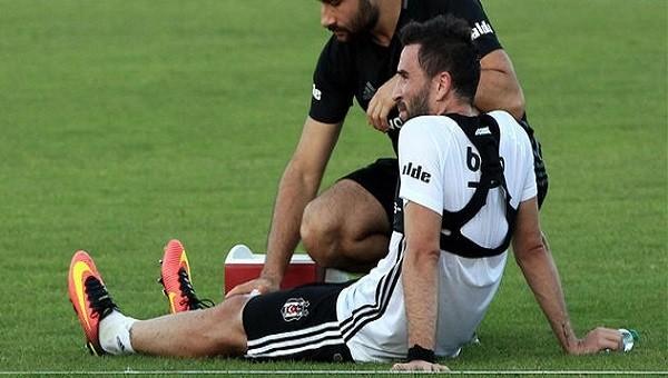 Beşiktaş'ta Gökhan Gönül'ün sakatlığı korkuttu
