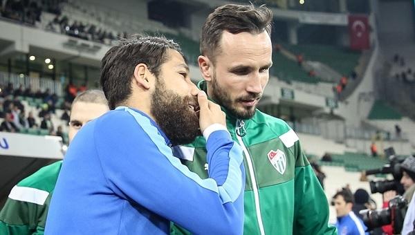 Bursaspor - Trabzonspor maçında Olcay ve Sivok arasındaki sohbet