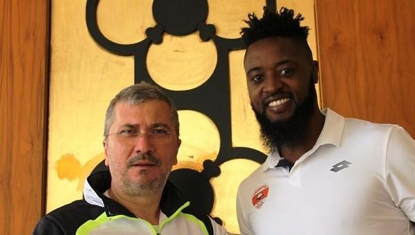 Charles Itandje Adanaspor'a transfer oldu