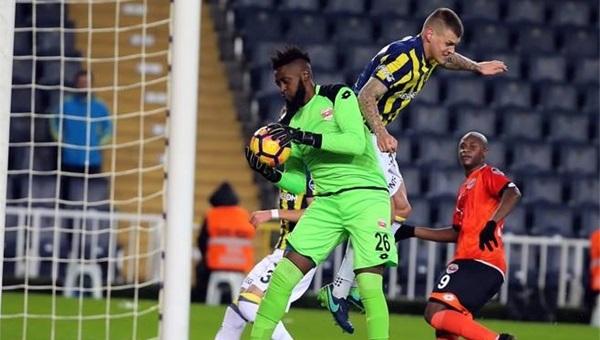 Charles Itandje, Fenerbahçe'yi durdurdu