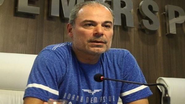 Engin İpekoğlu: '10 kişi kalmanın sıkıntısını yaşadık'