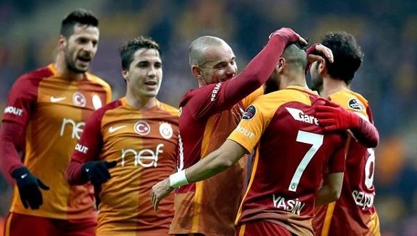 Galatasaray 6-0 Akhisar Sneijder'in topuk pası canlı yayında oldu