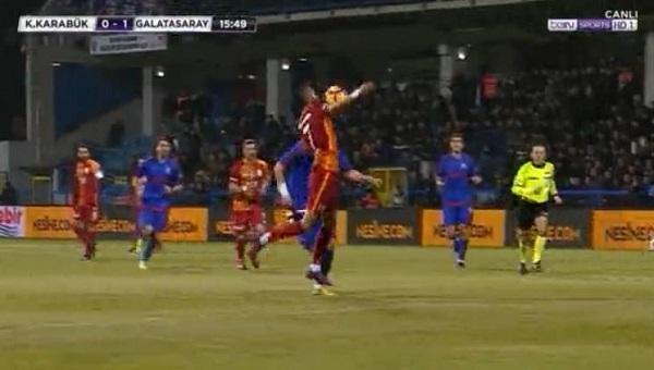 Galatasaray'ın tartışmalı golü! Yasin elle mi aldı?