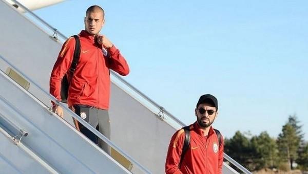 Galatasaraylı futbolculara uçakta uyarı