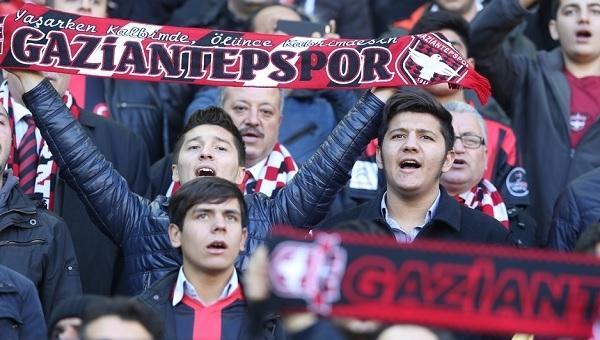 Gaziantepspor taraftarlarından yönetime büyük tepki