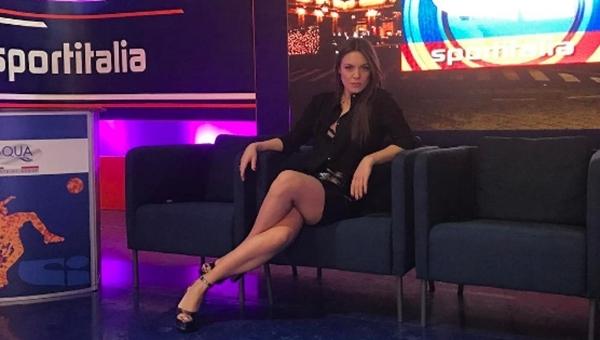 Güzel spiker Michela Russo, Beşiktaş taraftarlarına teşekkür etti