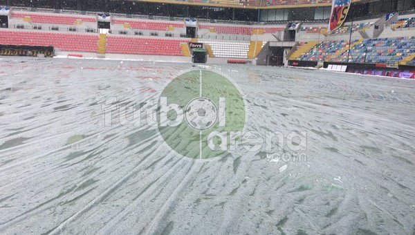 Kayserispor - Beşiktaş maçı öncesi zeminin son durumu