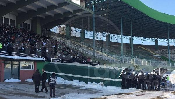 Konya Anadolu Selçuklu - Amedspor maçında olay