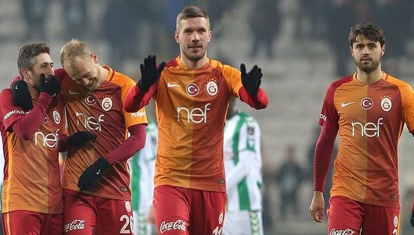 Lukas Podolski'den Fethi Sekin paylaşımı