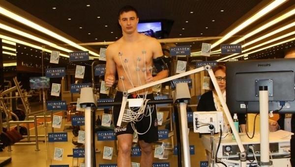 Matej Mitrovic sağlık kontrolünden geçti