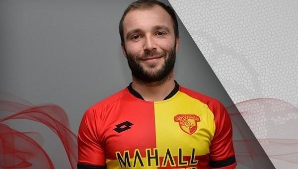 Murat Akın, Göztepe ile imzaladı