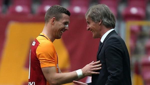 Riekerink'ten Lukas Podolski ile özel görüşme