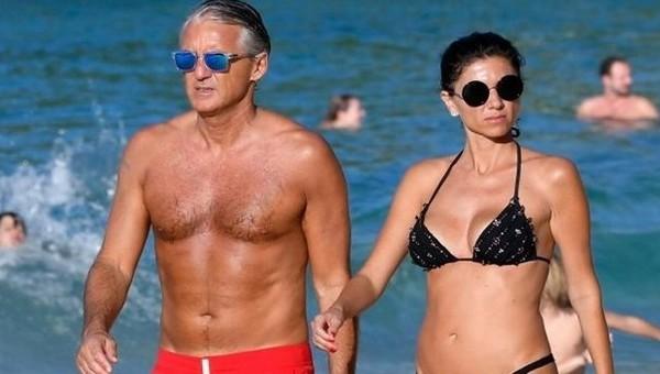 Roberto Mancini, Buffon'un eski eşiyle birlikte