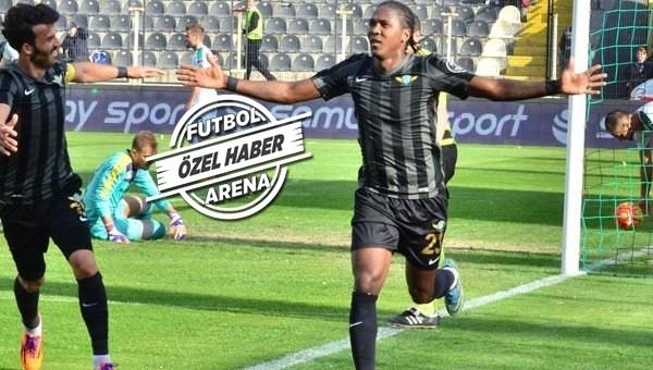Son dakika! Rodallega 2.5 yıllığına Trabzonspor'da