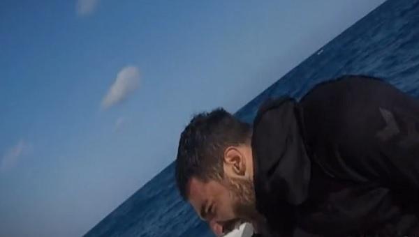 Survivor'da teknede sinir krizi geçiren Eser West diskalifiye mi oldu yoksa sakatlandı mı?İşte cevabı