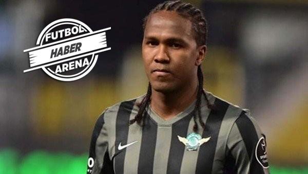 Trabzonspor, Hugo Rodallega'yı transfer etti