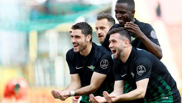 Akhisar Belediyespor 3 - 0 Antalyaspor maçı özeti ve golleri