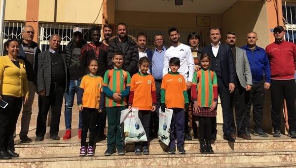 Alanyaspor Futbol Okulu ürünlerini tanıttı