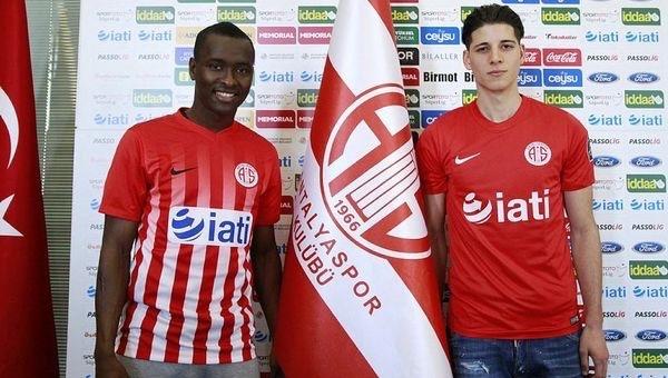 Antalyaspor, Harun Alpsoy ve Jean Armel Drole ile sözleşme imzaladı