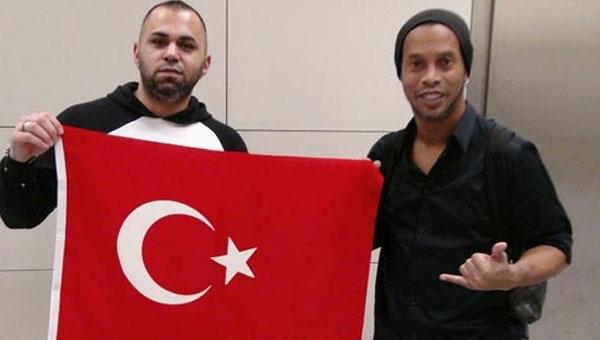 Brezilyalı yıldız Ronaldinho İstanbul'da