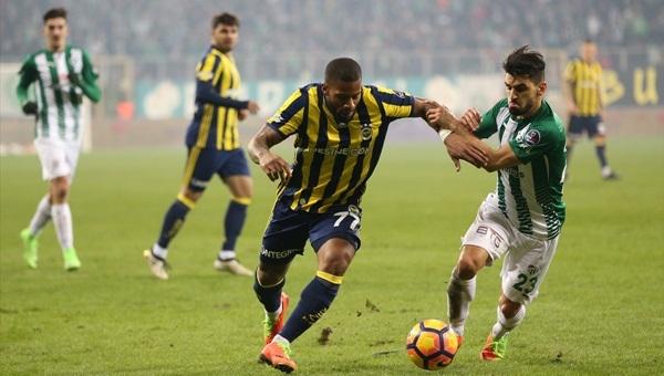 Bursaspor bir kişi eksik, Fenerbahçe'den çok koştu