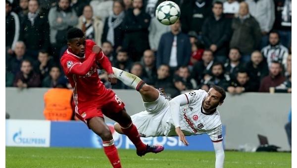 Cenk Tosun'un volesi en güzel gol seçildi
