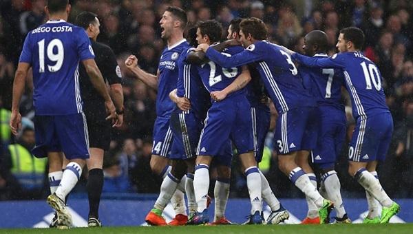 Chelsea 3 - 1 Swansea City maçı özeti ve golleri