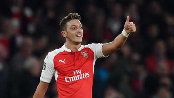 Çinliler, Mesut Özil'e hayran