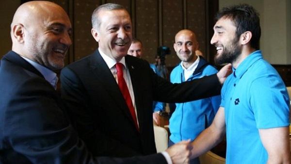 Cumhurbaşkanı Recep Tayyip Erdoğan'a Rizesporlu Avusturyalı futbolcudan övgü dolu sözler